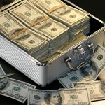 各世代の平均貯金額  20代30代40代はいくら貯金しているのか?